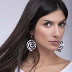 vestopazzo alluminio orecchini donna fil spirale foto